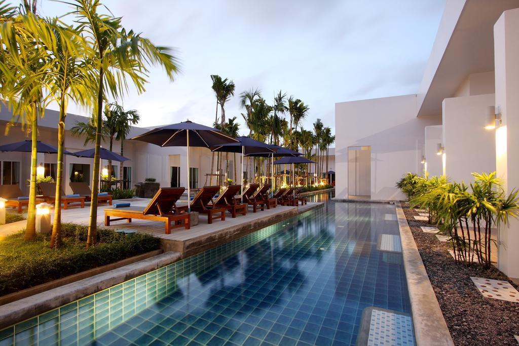 kata-lucky-villa-pool-access